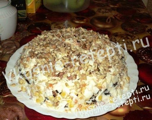 Салат праздничный Гренадер фото