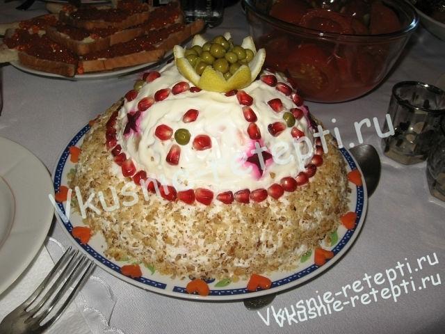 Салат с курицей шапка мономаха фото2