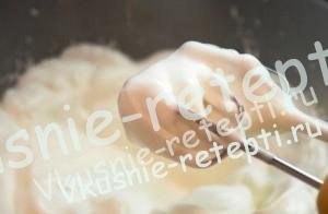 Человек паук - торт из мастики домашнего приготовления с орехами и черносливом на день рождение для мальчика, фото