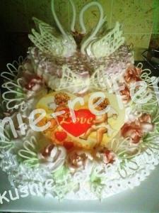 Оригинальный и необычный свадебный торт с зефиром