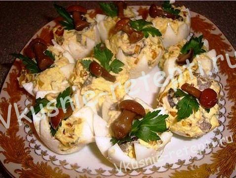 фаршированные яйца, фото