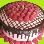 Оформление торта для детей малиной