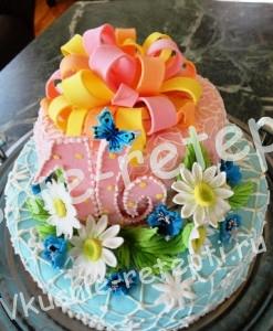 торт  на день рожденья
