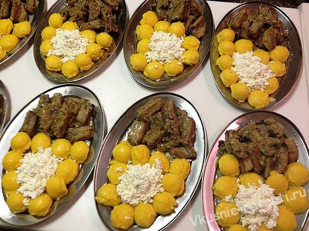 картофель с мясом в кастрюле с фото