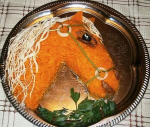 Новогодний салат Рыжий конь