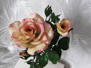 Цветы из мастики