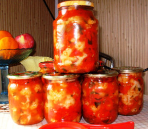 салат из цветной капусты с помидорами и сладким перцем фото