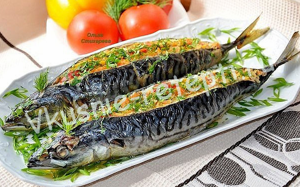 Запеченная скумбрия с овощами фото