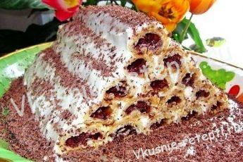 Вишневый торт на сметане «Монастырская изба» с кремом из сливок