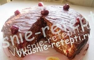 """Вкусный торт """"Пьяная вишня"""" с кремом со сгущенкой в домашних условиях , фото"""