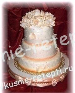 Свадебный белый торт с вареной сгущенкой, трехъярусный торт