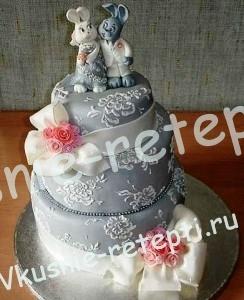 Торт свадебный баунти с  кремом со сгущенкой на подставке