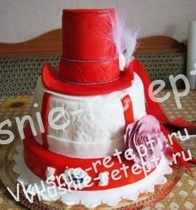 торт свадебный клубничный