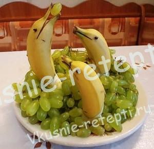 полезная и забавная еда детям, бананы с виноградом
