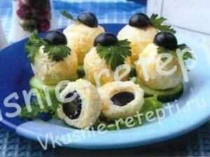 Закуска с сыром и виноградом