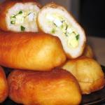 жаренные пирожки с зеленым луком и яйцом фото