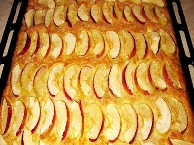 Нежный пирог с яблоками за 20 минут